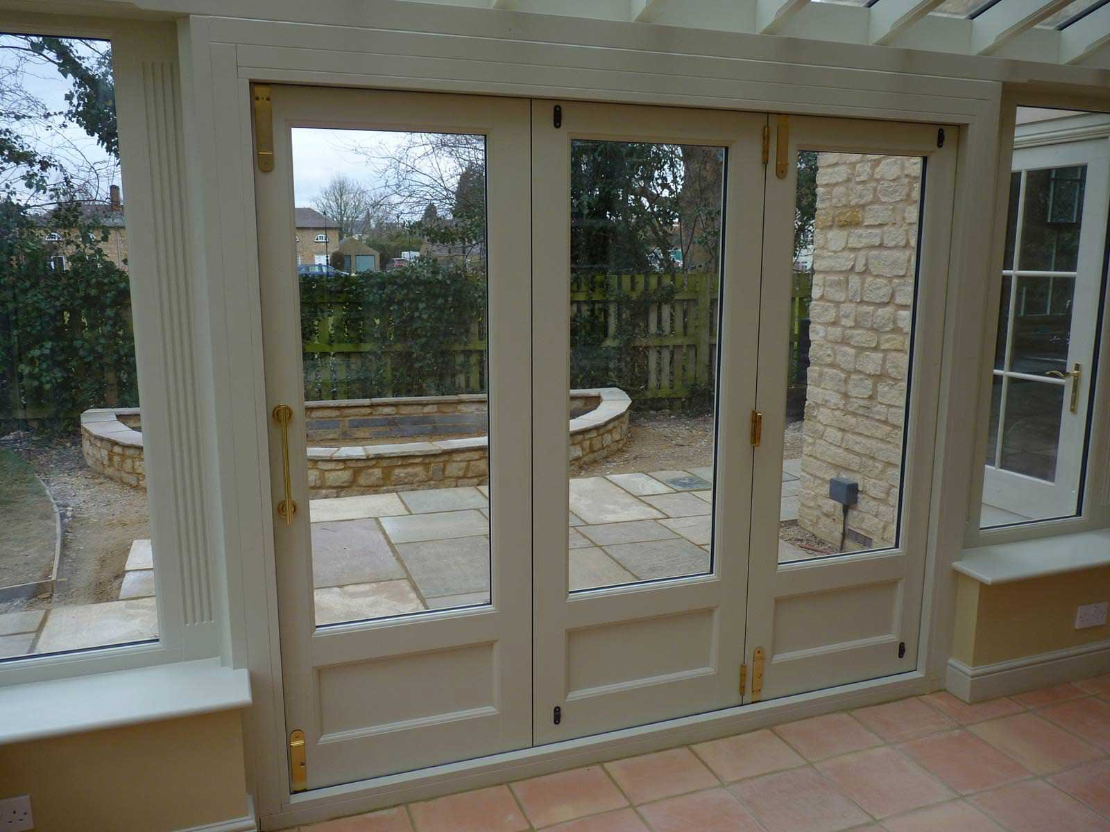 Choosing a handle for your new bi fold doors bifold doors uk for Custom made internal bifold doors